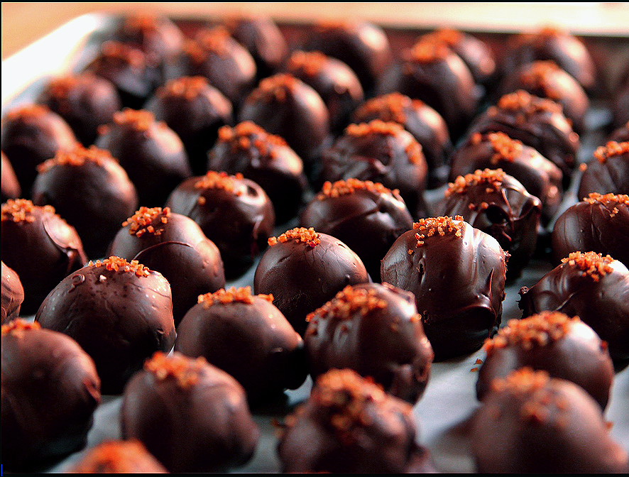 Chocolate Chili Truffles ~ Holiday Gifts ~ – Simply Splendid Food
