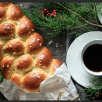 Pulla: Finnish Cardamon Bread